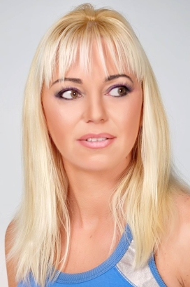 Alexandra M. modella - Start Up Management