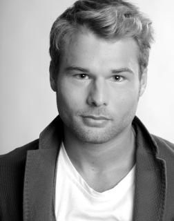 Lorenzo Zenoni modello attore - Start Up Management